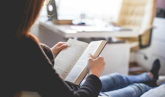 如何让孩子爱上读书?约读书房亲子阅读课堂开始了。