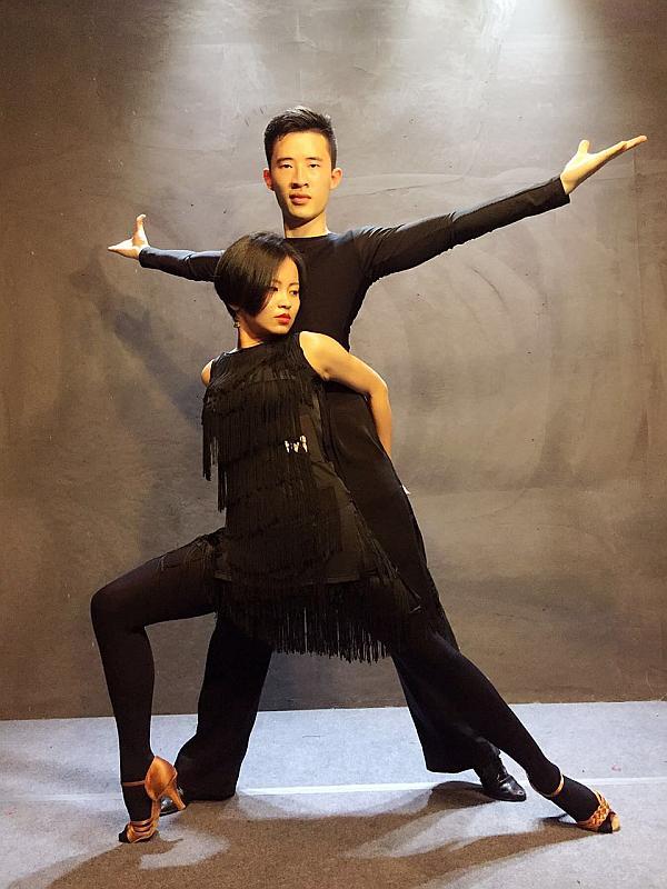 互动吧-开抢啦!!【C.C舞蹈】缤纷暑假拉丁班【零基础】第三波100名只要132元!!