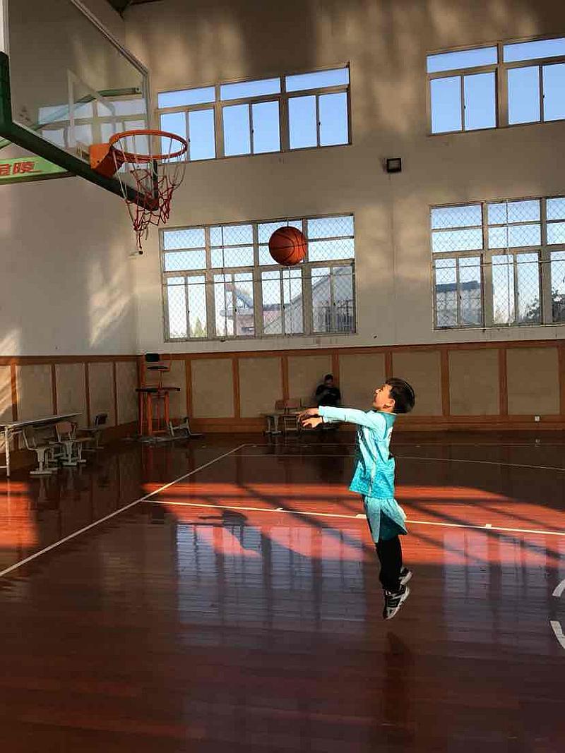 互动吧-万和篮球招新!运动驱走寒冷!