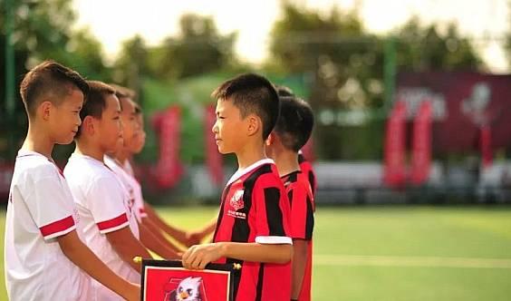 迈格森国际教育携手麦菲足球学院户外亲子活动