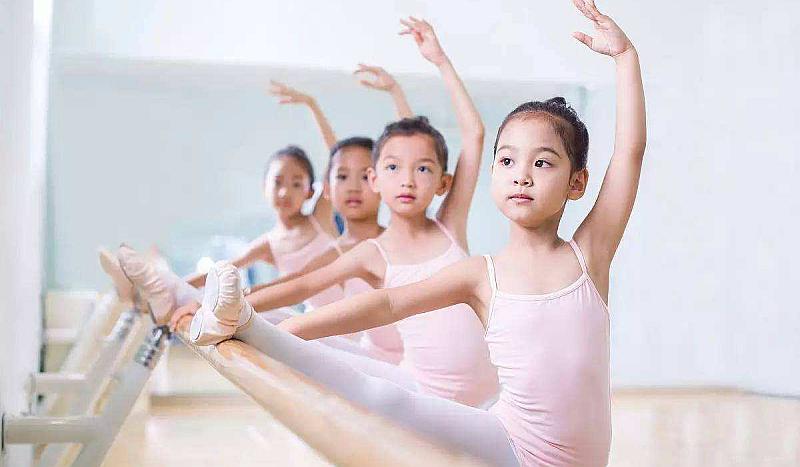 互动吧-跳芭蕾吧!悦溪芭蕾-星沙首家专业芭蕾教育机构