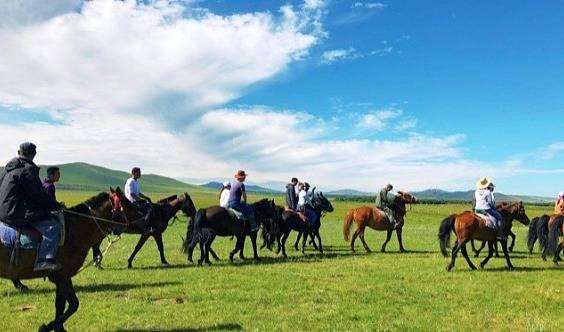 (五一假期) 坝上草原 骑马 免费送烤全羊  篝火狂欢!
