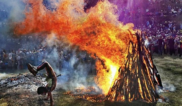 【神秘部落丨自驾5天】重庆/成都出发,每年一度的阿细祭火节,罗平油菜花