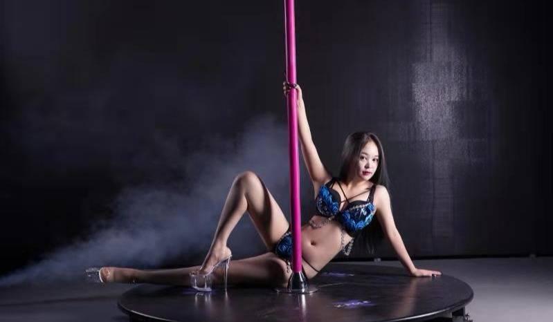 专业舞蹈培训十年累计丰富的教学经验职业舞蹈教练培训