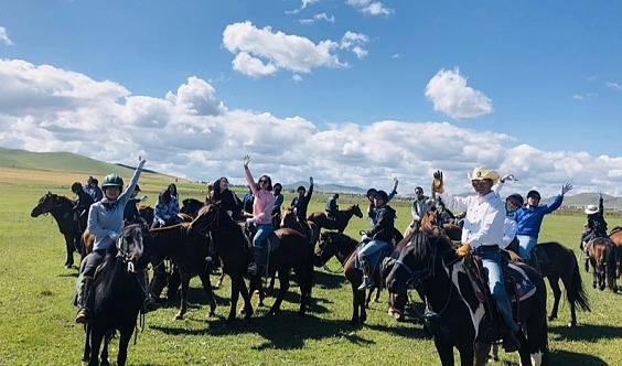 (五一假期) 坝上草原 骑马 免费送烤全羊 赠送闪电湖门票  篝火狂欢!